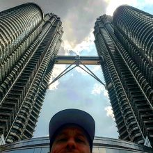 2018 02-21 Entrepreneur Globetrotter Michael Scott Novilla Luala Lumpur Petronas Towers